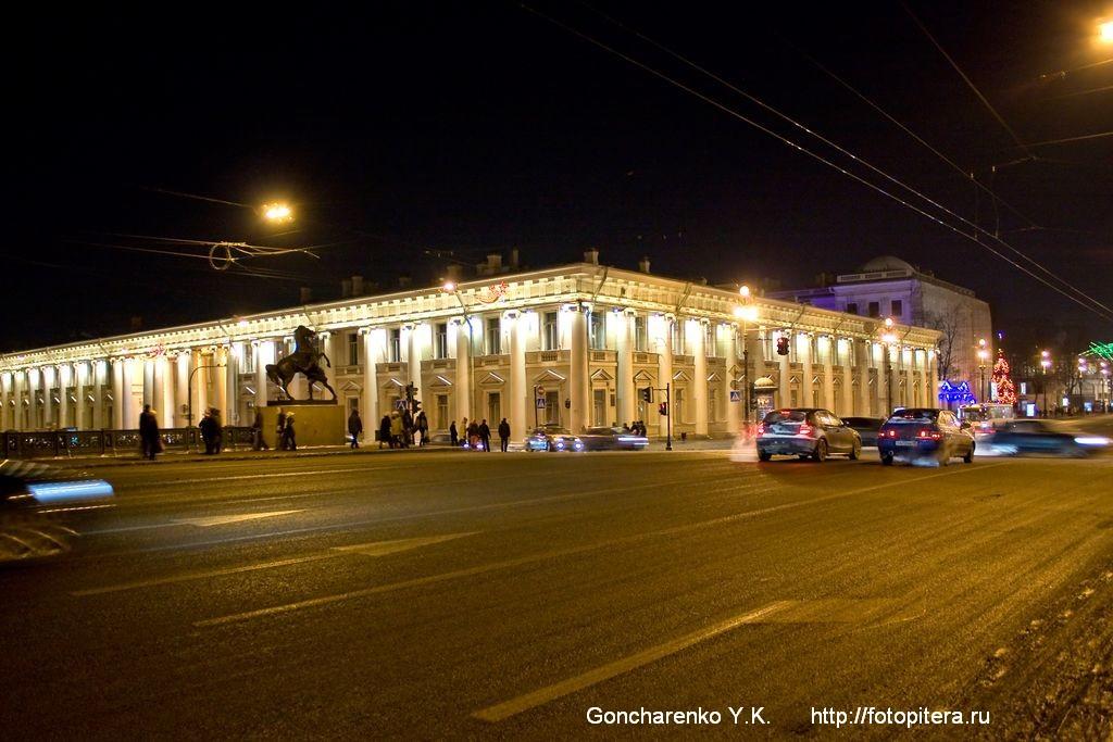 Аничков мост. Аничков дворец.