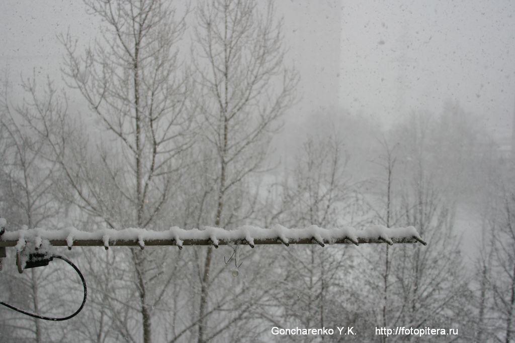 Снег кружится...