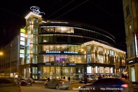 Торговый комплекс на Большом проспекте Петроградской стороны